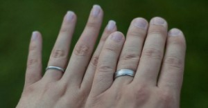 his-and-her-wedding-rings